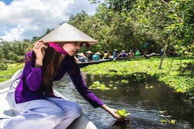 Châu Đốc - Rừng Tràm Trà Sư – Nông trại Phan Nam - Resort Victory Núi Sam 4 sao