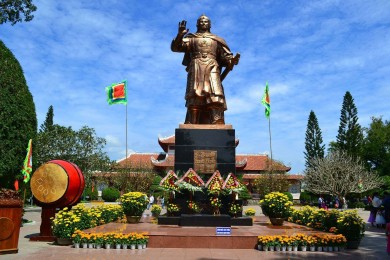 Quy Nhơn - Bình Định - Kỳ Co - Eo Gió (Đi - về tàu hỏa)