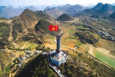 Hà Giang - Đồng Văn - Lũng Cú - Đèo Mã Pí Lèng - Cao Bằng - Thác Bản Giốc - Động Ngườm Ngao - Hang Pác Bó - Hồ Ba Bể (Bao gồm VMB)